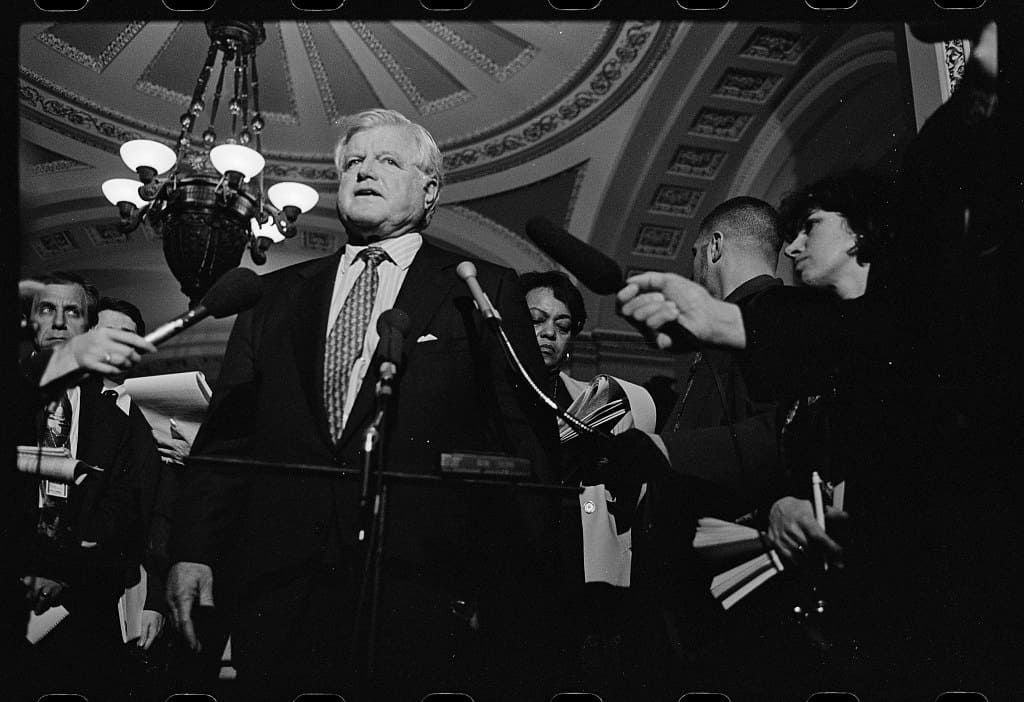 Ted_Kennedy_1999